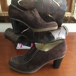 Ron White Brown Suede All Day Heels Ankle Boots